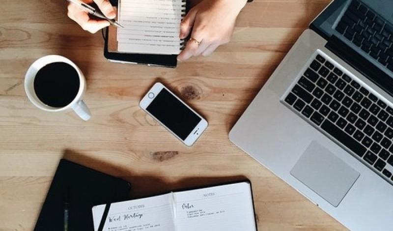 De ce să lași un Social Media Manager să-ți promoveze afacerea?