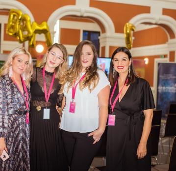 Cu ce se intoarce un blogger acasa de la BBM Cluj